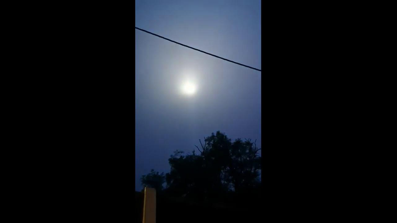 Strange Blinking Weird LIGHTS appear in England sky 2019