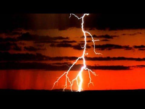⚡⚡INSANELY long lightning STRIKE!⚡⚡